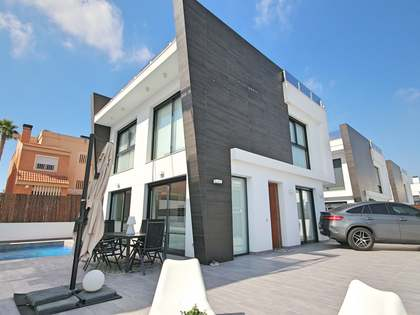 182m² House / Villa for sale in Alicante ciudad, Alicante