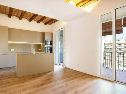 96m² Apartment for sale in Sant Antoni, Barcelona