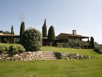 Huis / Villa van 2,316m² te koop in Baix Emporda, Girona