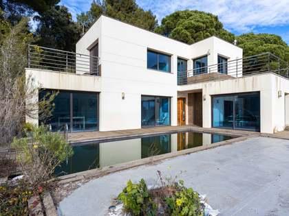 294m² House / Villa for sale in Cabrils, Barcelona