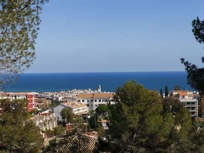 Perceel van 1,056m² te koop in Vallpineda, Sitges