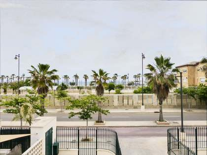 Duplex property for sale in front of Malvarrosa beach, Valencia