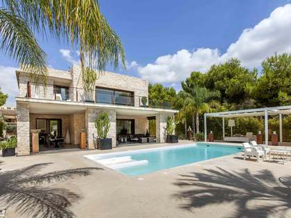 Contemporary 790m² villa for sale in La Cañada, Paterna