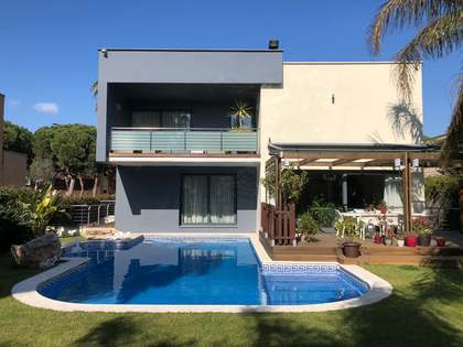 535m² House / Villa for sale in Gavà Mar, Barcelona
