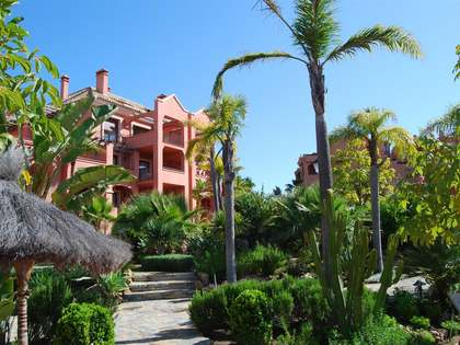 Luxury apartment for sale in Puerto Banús, Marbella