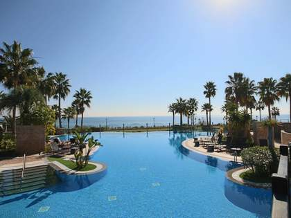 Appartement van 184m² te koop met 33m² terras in Estepona