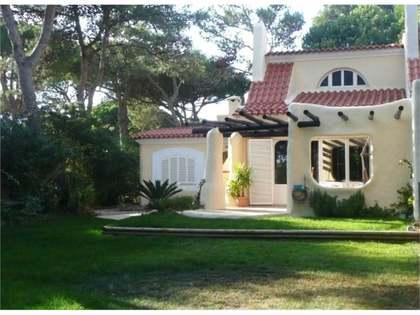Huis / Villa van 140m² te koop in Cascais & Estoril