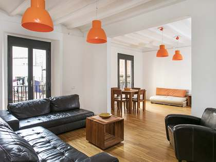 Apartment for sale in the Gothic quarter with 3 bedrooms