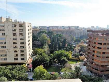 Vivienda de 200 m² y 4 dormitorios en alquiler en Pla del Real