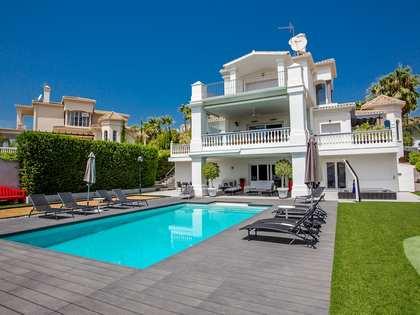 440m² Hus/Villa med 1,100m² Trädgård till salu i Nueva Andalucia