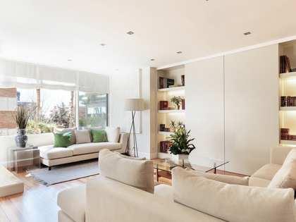 Appartement van 170m² te koop met 25m² terras in Tres Torres