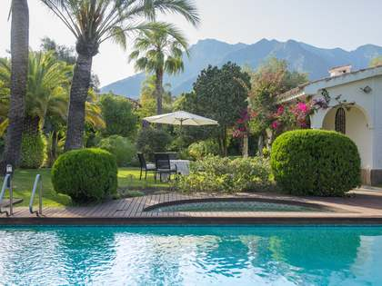 581m² House / Villa with 2,691m² garden for sale in West Marbella