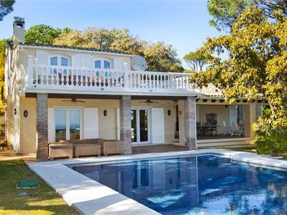 Villa en venta en El Madroñal, Benahavís, Marbella