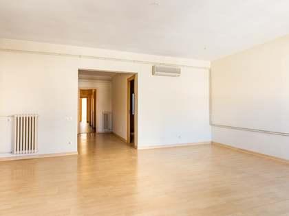 149m² Lägenhet med 12m² terrass till uthyrning i Eixample Höger