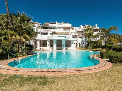 Luxury duplex penthouse for sale in La Quinta Golf, Marbella