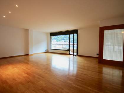 263m² Penthouse with 12m² terrace for rent in Andorra la Vella