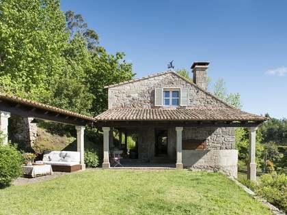 Casa / Vil·la de 350m² en lloguer a Pontevedra, Galicia