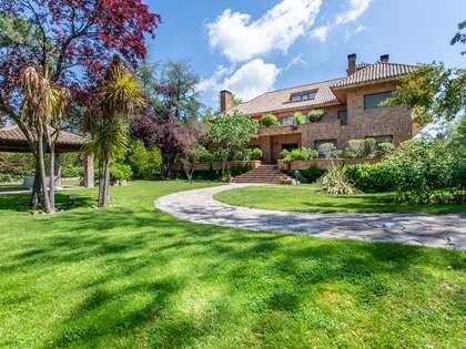 Дом / Вилла 987m² на продажу в Посуэло, Мадрид