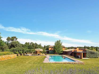 890m² House for sale in Baix Empordà, Girona