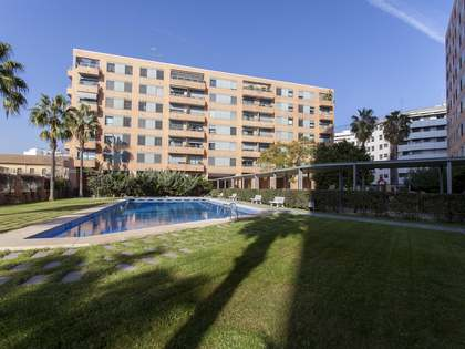 170m² Apartment with 11m² terrace for sale in El Pla del Real