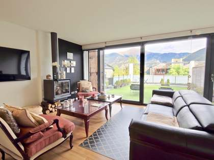 317m² House / Villa with 297m² garden for sale in La Massana