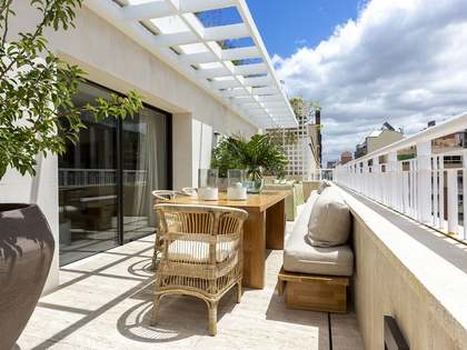 688m² Penthouse with 180m² terrace for sale in Castellana