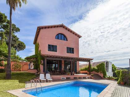 Period house for sale with a garden and pool in La Floresta
