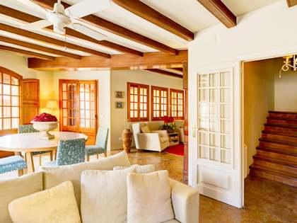 Huis / Villa van 359m² te koop met 18m² terras in Torredembarra