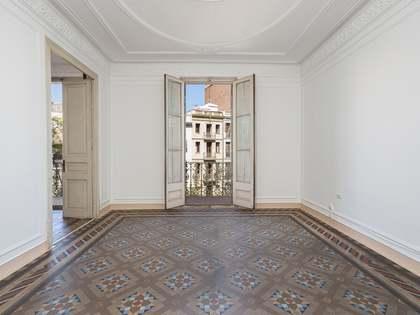 210m² Apartment for sale in Gràcia, Barcelona