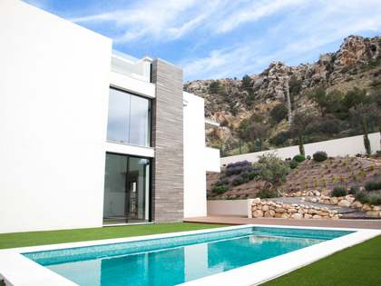 482m² House / Villa for sale in Playa San Juan, Alicante