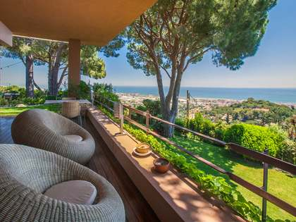 410m² Haus / Villa mit 1,800m² terrasse zur Miete in Premià de Dalt