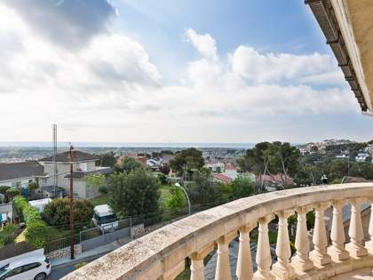 Дом / Вилла 490m² на продажу в Montemar, Барселона