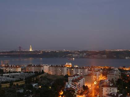 Luxury sea view apartment for sale in Lisbon