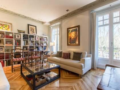 242 m² apartment for sale in Cortes-Huertas, Madrid