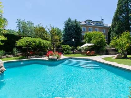 Villa de 1,100 m² en venta en Pozuelo, Madrid