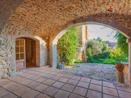 696 m² country house for sale in Alt Empordà, Girona