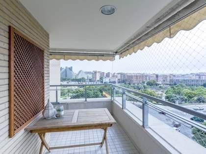 Appartamento di 154m² con 6m² terrazza in vendita a Ciudad de las Ciencias