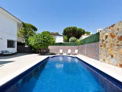 Casa / Vil·la de 268m² en lloguer a La Pineda, Barcelona