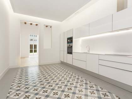 3-bedroom apartment with 50m² terrace for sale in Eixample