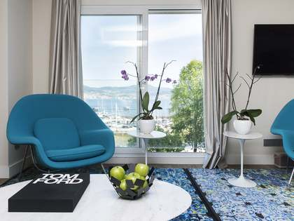 213m² Apartment with 15m² terrace for sale in Vigo, Galicia