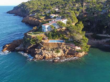 600m² House / Villa for sale in Sa Riera / Sa Tuna