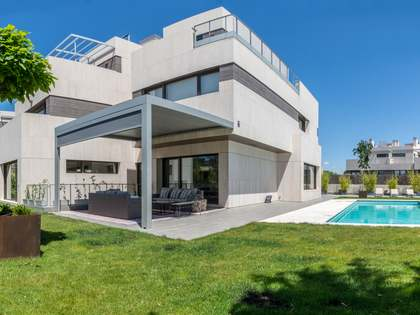 Casa / Villa di 600m² in vendita a Aravaca, Madrid