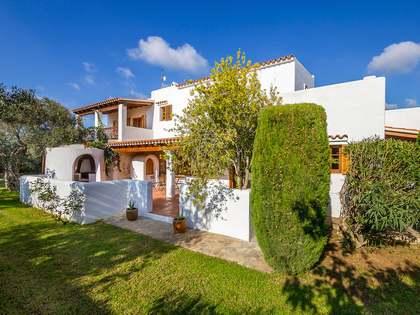 在 Santa Eulalia, 伊比萨 226m² 出售 豪宅/别墅 包括 33m² 露台