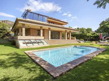 511m² House / Villa for rent in Los Monasterios, Valencia