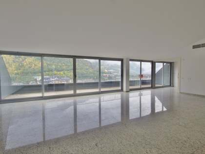 Appartement van 215m² te koop met 25m² terras in Andorra la Vella