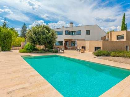 Huis / Villa van 600m² te koop in Pla de l'Estany, Girona