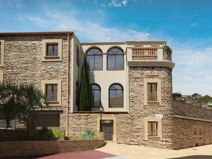 691 m² villa with 250 m² garden for sale in Begur Town