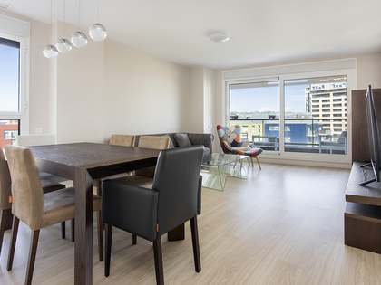 Appartement van 83m² te huur met 9m² terras in Diagonal Mar