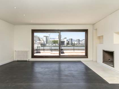 200 m² apartment with terrace for rent in Eixample Right