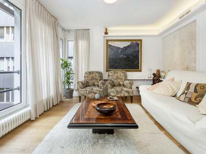 243m² Apartment for sale in Tres Torres, Barcelona